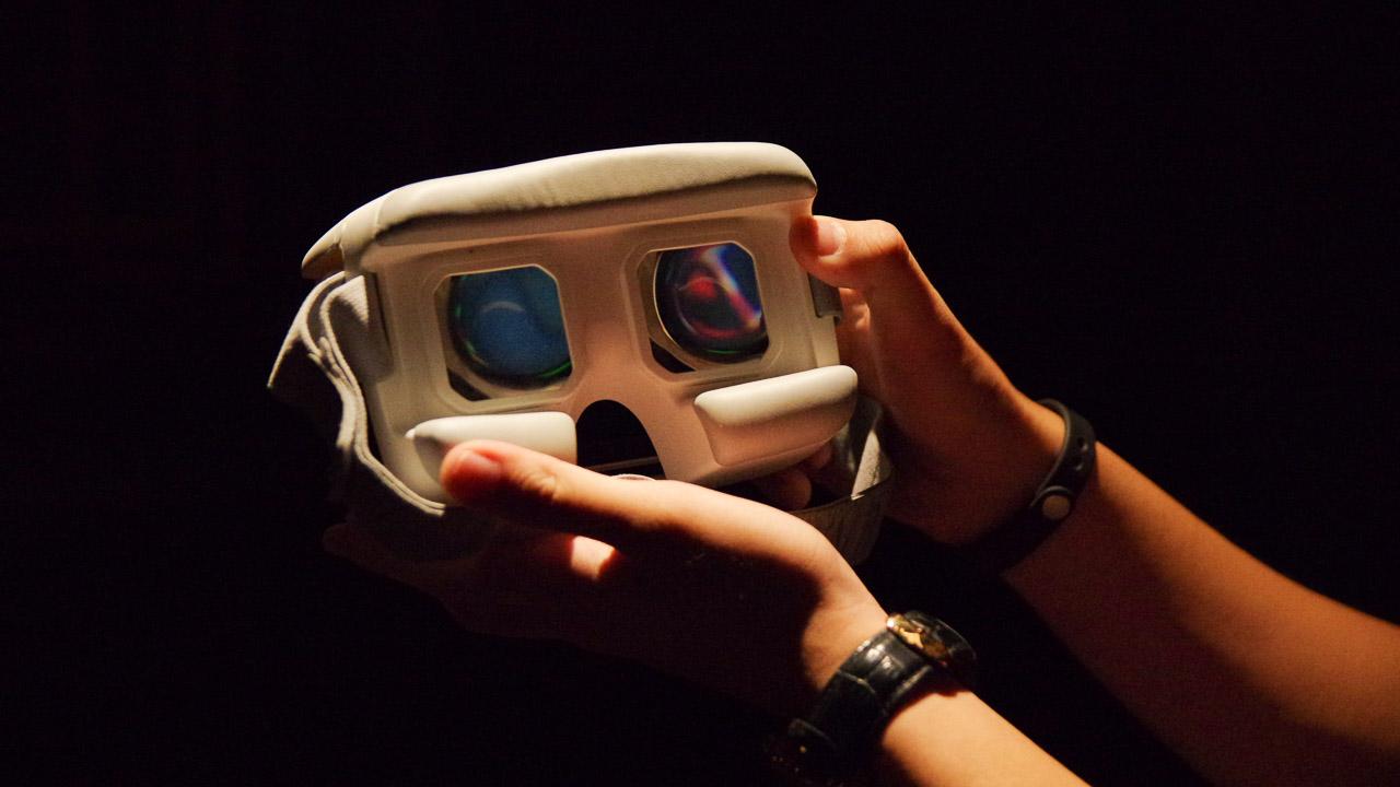 kính thực tế ảo Lenovo A7010