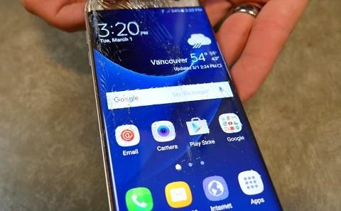 Mặt kính Galaxy S7 edge nứt vỡ